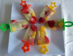 Picolés de frutas naturais com água de coco