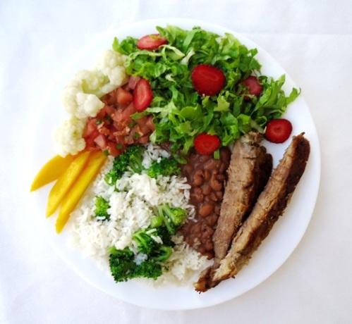 Prato saudável - arroz com brócolis - pernil suíno pequeno