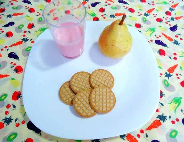LANCHE - iogurte - pera